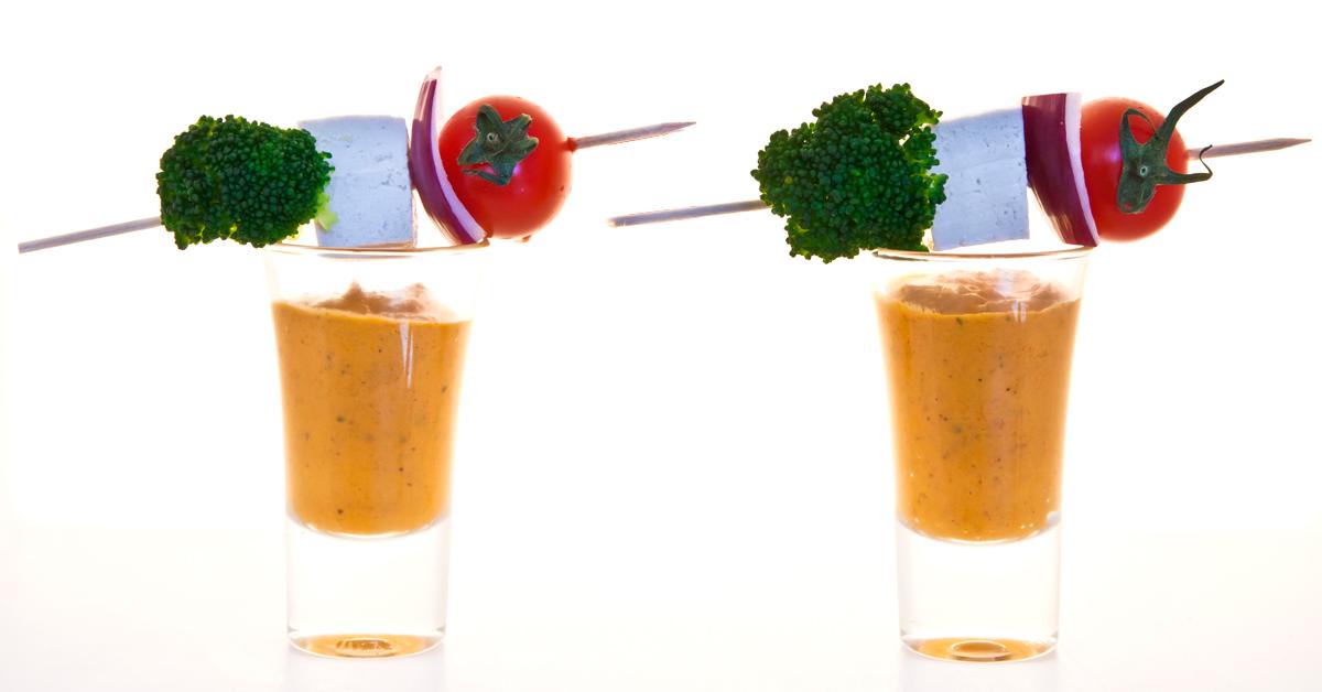 Brócoli con tofu y salsa romescu